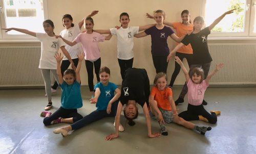 Nach der Coronapause machte den Kindern und Jugendlichen ein gemeinsamer Workshop mit Bewegung und Tanz wieder sichtlich großen Spaß.