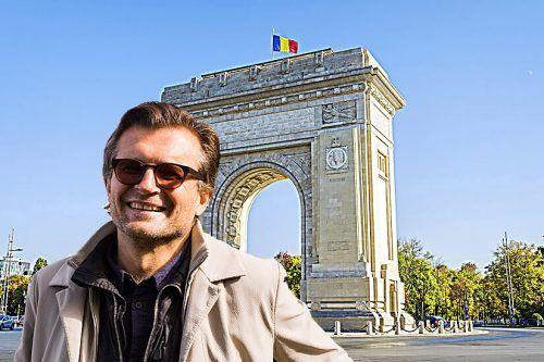 """Nicht Paris sondern Bukarest: Marbod Fritsch vor dem """"Arcul de Triumf"""", der 1922 zu Ehren der im Ersten Weltkrieg gefallenen Soldaten errichtet wurde.VN"""