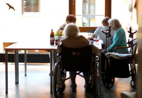 In Vorarlberg sind vor allem in den Heimen weit weniger Menschen verstorben als in anderen Bundesländern.Reuters