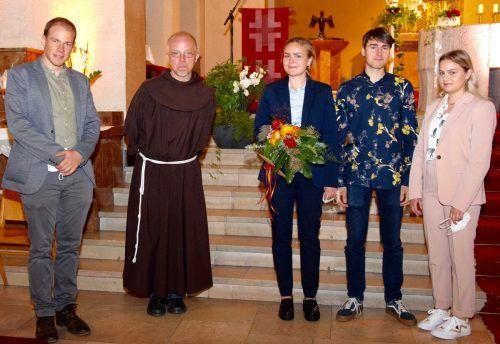 Pastoralleiter Thomas Folie, Pfarrmoderator Pater Guido Kobiec, Organistin Larissa Scheier mit ihrem Freund Theodor Haftel und ihrer Schwester Ariane Scheier (v. l.).SCO
