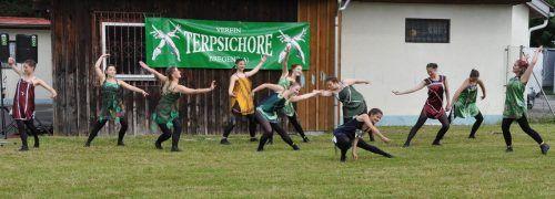 Performance zu den Global Water Dances der Bregenzer Tanz- und Balletschule.
