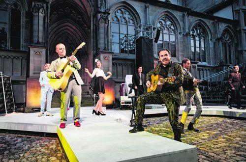 """Shakespeares """"Viel Lärm um nichts"""" ist als Open-Air-Spektakel auf dem Münsterplatz in Konstanz zu sehen. Ilja Mess"""