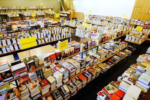 Über die Sommermonate hinweg findet jeweils am Mittwoch- und Freitagnachmittag ein Bücherflohmarkt in der Bürser Bibliothek statt.Birgit Kramer