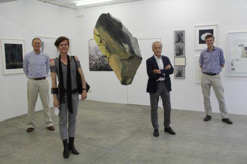 Vier der zahlreichen Künstler waren extra zur Vernissage nach Schruns gekommen.STR