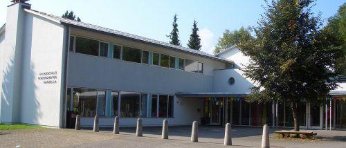 Volksschule Agasella in Göfis: Nur unweit davon kam es am Dienstag zum ersten Vorfall. Göfis.at
