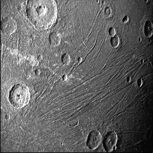 Von den Aufnahmen und den Daten erhoffen sich die Wissenschafter unter anderem Einblicke in dessen Zusammensetzung und Atmosphäre. AP