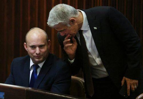 Zuerst soll Bennett (links) Ministerpräsident werden, später Lapid. AFP