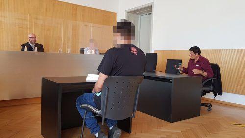 Der Störenfried wurde zu einer teilbedingten Geldstrafe von insgesamt 1200 Euro verurteilt. eckert