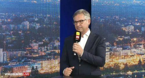Staatssekretär Magnus Brunner zeigt sich irritiert über die Ankündigung der Verkehrsministerin, die S18 evaluieren zu lassen.