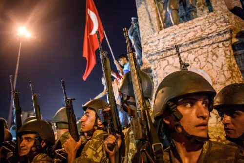 Vor fünf Jahren versuchten abtrünnige Teile des Militärs, gegen den türkischen Präsidenten Erdogan zu putschen. Der Versuch misslang. AFP