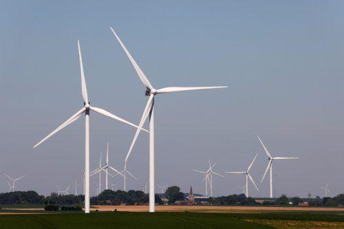 Windkraft ist nur in Spezialfällen einsetzbar, ansonsten ist Photovoltaik einfacher und günstigerreuters