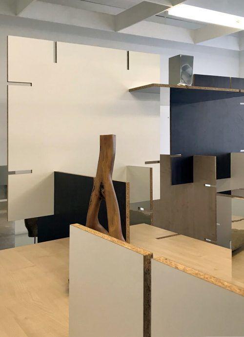 24 Stunden von außen einsehbar: Die Installation von Gerold Tagwerker in Bregenz.DWDS