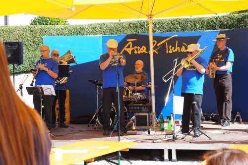 Ab 4. September wird auf dem Thüringer Dorfplatz gefeiert. Zum Auftakt spielt die Imperial Jazzband beim Ässa & Tschässa auf.Veranstalter