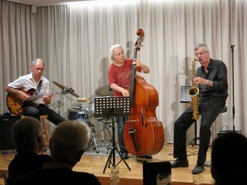 """Als """"Jazz Refugees"""" treten die Dozenten der Jazzschule Berlin im Montafon auf. jazz refugees"""