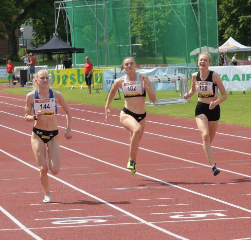 Annika Rhomberg sprintete mit der ÖLV-Staffel zur Silbermedaille.LAuxFoto