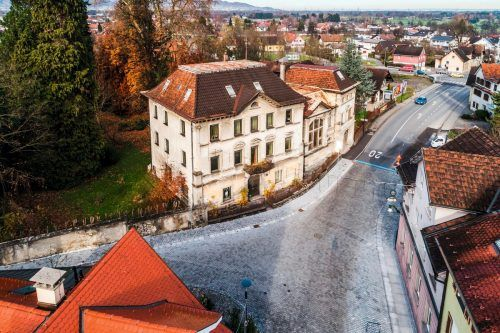 Bei der Villa Ivan und Franziska Rosenthal soll ein neues Rathaus entstehen.