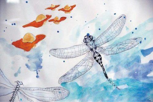 Beim spartenübergreifenden Open-Air-Festival in Hittisau ist auch die Künstlerin Barbara Anna Husar mit ihrem Libellen-Werk vertreten.Libelle/FMH