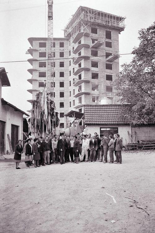 Bregenz, Firstfeier beim Stern-Hochhaus, 1965