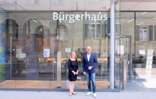 Bürgermeister Michael Ritsch begrüßte Andrea Trappel-Pasi im Bürgerhaus. SB
