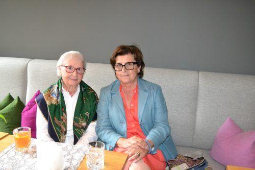 Burgi Walch mit Tochter Gertrud Walch waren von der Lesung begeistert