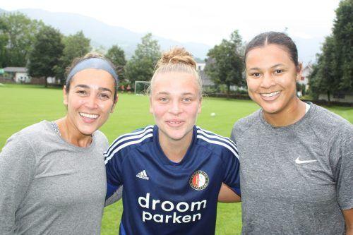 Das FC-Dornbirn-Trio Genesis Castrellon, Reneé Zoutewelle und Kristen Amarikwa blickt frohen Mutes in Richtung Meisterschaft.tk