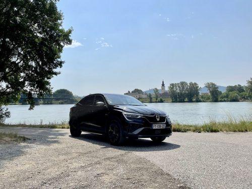 Das SUV-Coupé Renault Arkana ist ein enger Technikverwandter des Clio und des Captur, ist aber sogar länger als der Kadjar. Dieselantrieb ist kein Thema.