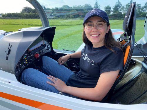 """Das Ultraleichtflugzeug, mit dem Zara um die Welt fliegen will, gehört zur """"Shark""""-Serie und damit laut Herstellerangaben zu den schnellsten der Welt. Reuters"""
