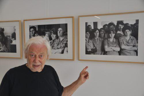 """Der Fotograf Nikolaus Walter stellt im Rahmen des Walserherbstes unter dem Titel """"Schlussverkauf"""" Werke aus Vorarlberger Textilfabriken aus.HAB"""