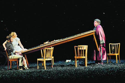 Der Klassiker von Arthur Miller wurde am Vorarlberger Landestheater von Regisseur Niklas Ritter neu interpretiert.anja koehler