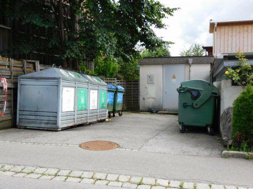 Die Papiercontainer bei den Altstoffsammelstellen in Klaus haben mit Ende Oktober ausgedient. Das Altpapier wird künftig frei Haus abgeholt.Mäser