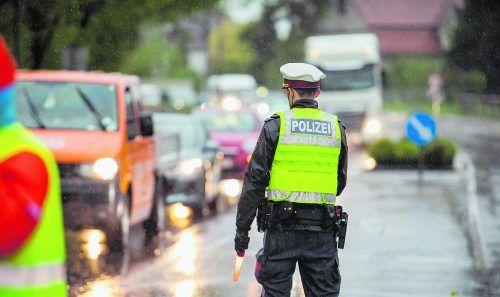 Die Polizei kontrollierte insgesamt 400 Fahrzeuge. hofmeister