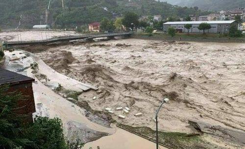 Die Stadt Ayancik wurde von einer Flutkatastrophe heimgesucht.EIÜ