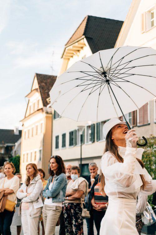 Die Stadt Hohenems und das Walktanztheater laden wieder zu Theaterspaziergängen ein. s. mistura