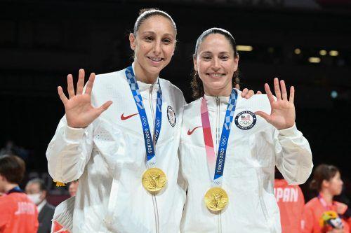 Die US-Amerikannerinnen Sue Bird (r.) und Diana Taurasi sind mit fünf Goldenen in Serie die erfolgreichsten Baksetballerinnen bei Olympia.AFP