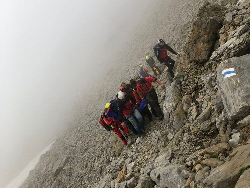 Die Verunglückte wurde über den Nordabstieg des Hohen Ifen abtransportiert. Bergrettung