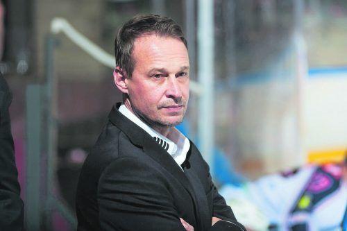 Die VEU verstärkte das Trainerteam mit Kult-Torhüter Jarmo Myllys.Pekka