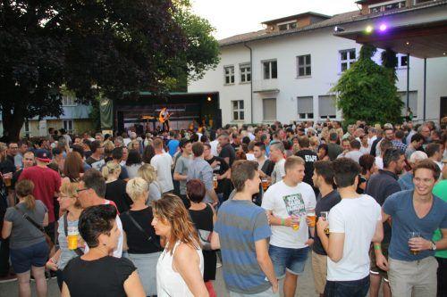 Ein Jahr wurde zwangspausiert – doch am Samstag werden sich auf dem Pausenhof der Volksschule Altach wieder zahlreiche Rock-Fans tummeln.Gemeinde