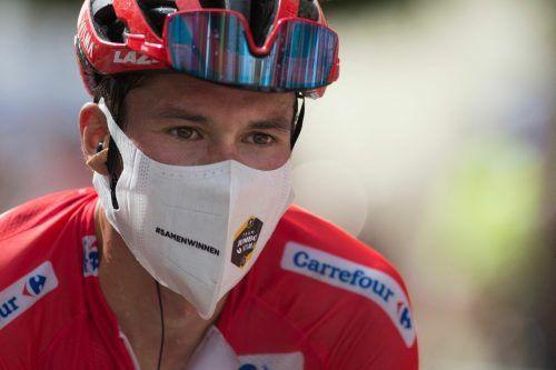 Ein Sturz kostete Primoz Roglic das Rote Trikot bei der Vuelta. apa