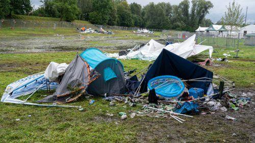 Einige Zelte und Pavillons durften die Heimreise nicht mehr mit antreten.