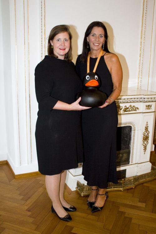 Falkenhorst-GF Verena Burtscher (l.) und Christine Wiesenegger (NfK).