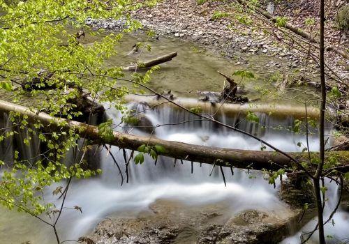 Kleiner Wasserfall.Stefan Kresser