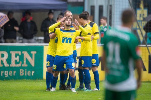 Für den FC Wolfurt gab es im Spiel gegen Lauterach allen Grund zur Freude: Ersten Hofsteigderby-Sieg in der Eliteliga eingefahren, Tabellenführung verteidigt. vn-sams
