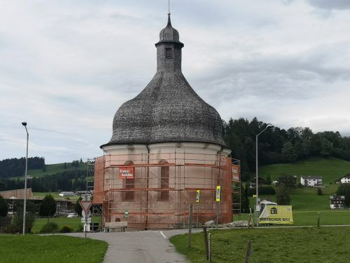 Die St.-Anna-Kapelle in Lingenau wird derzeit erneuert.