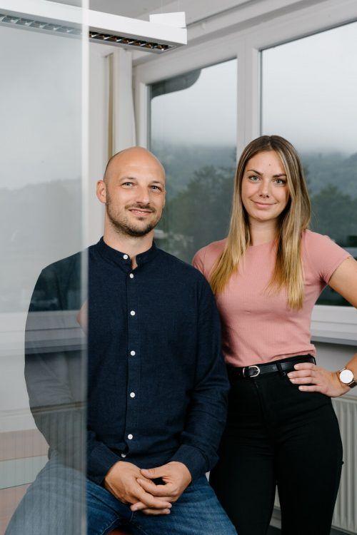 Geschäftsführer Christopher Schöpf und Santina Hagen, Leiterin Marketing.