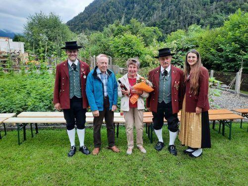 Herzlichen Glückwunsch an Helga Schöch zum 80. Lebensjahr.Harmoniemusik Stallehr