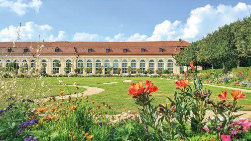 Herzstück des Hofgartens ist die nach Originalplänen rekonstruierte Orangerie.
