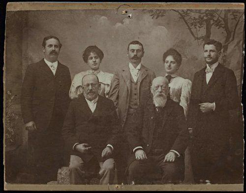 Hohenemser Synagogenchor mit Moritz Federmann (vorne links), um 1900.