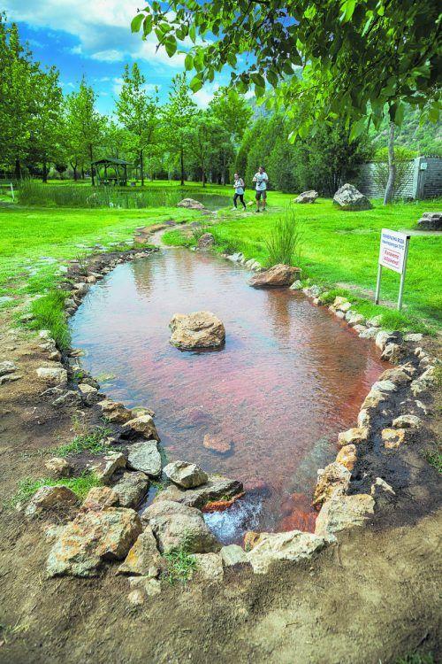In den Mineralquellen in Rupite kann man auch ein Bad nehmen.