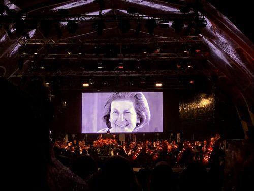 In ehrendem Gedanken wurde das Eröffnungskonzert der Fürstin Marie von und zu Liechtenstein gewidmet, die vergangenen Samstag verstorben ist. DEF
