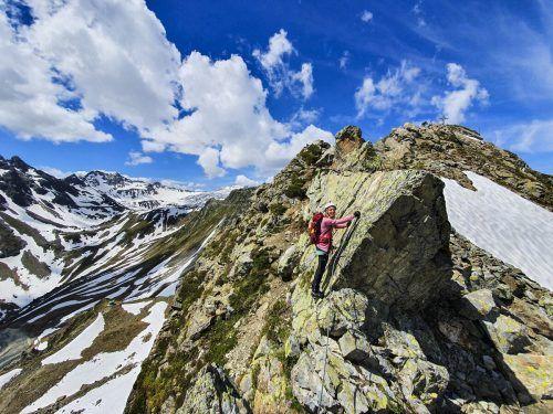Kurz vor dem Gipfel der Gargellner Köpfe, das Kreuz bereits in Sichtweite.Oliver Ihring